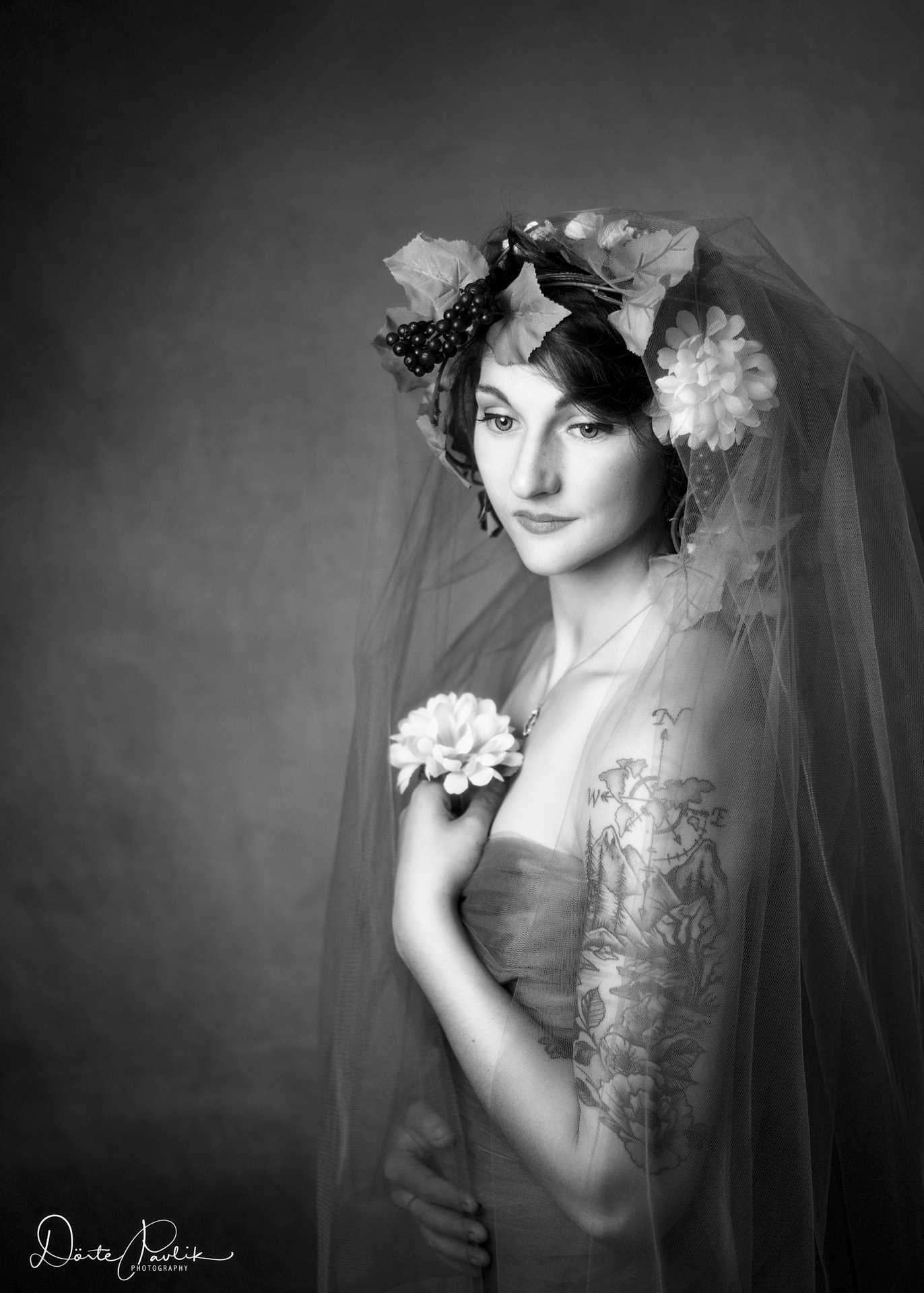 Flower Girl BW web - Doerte Pavlik