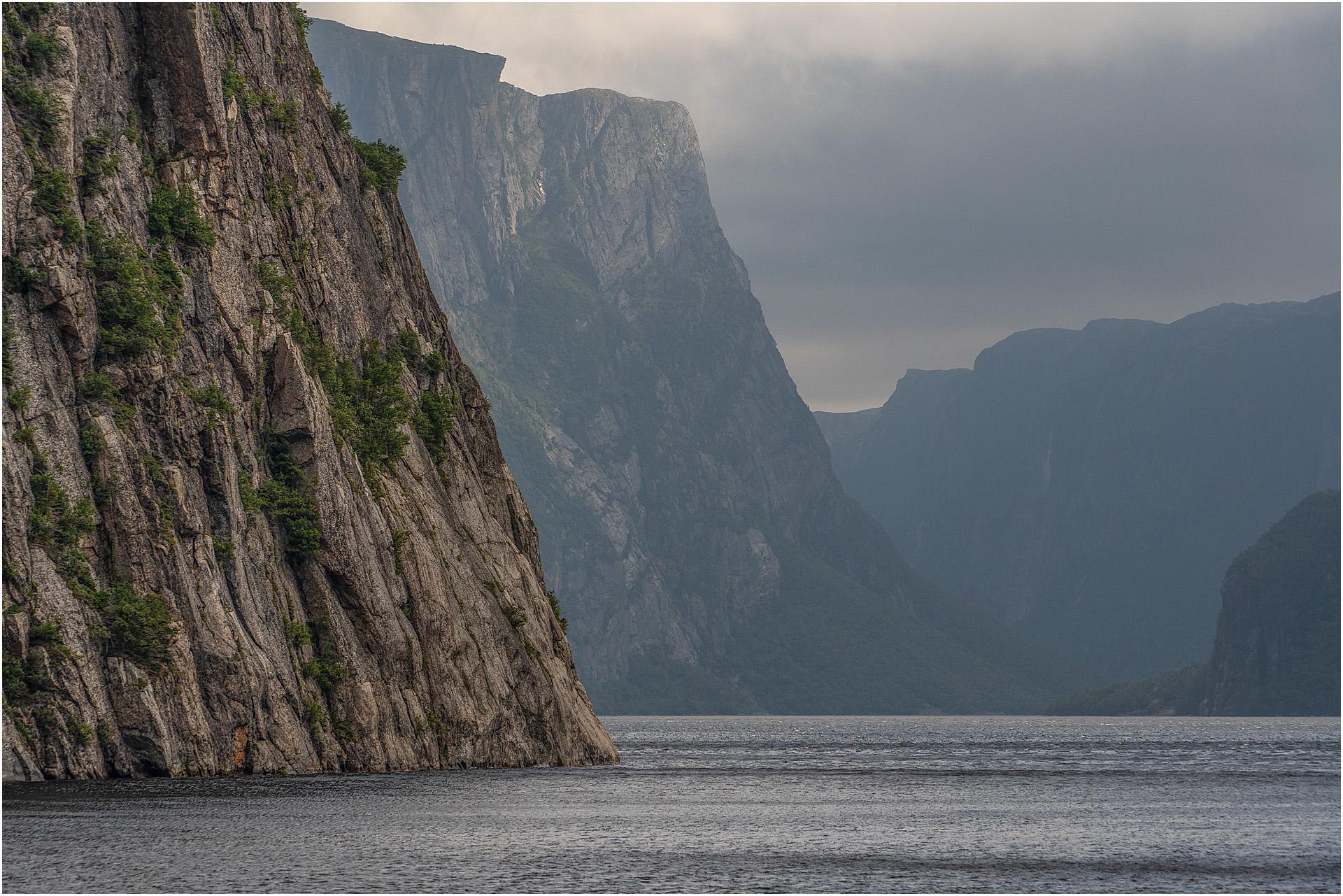 Cliffs, Western Brook Pond, Gros Morne Park,NL © Larry Citra