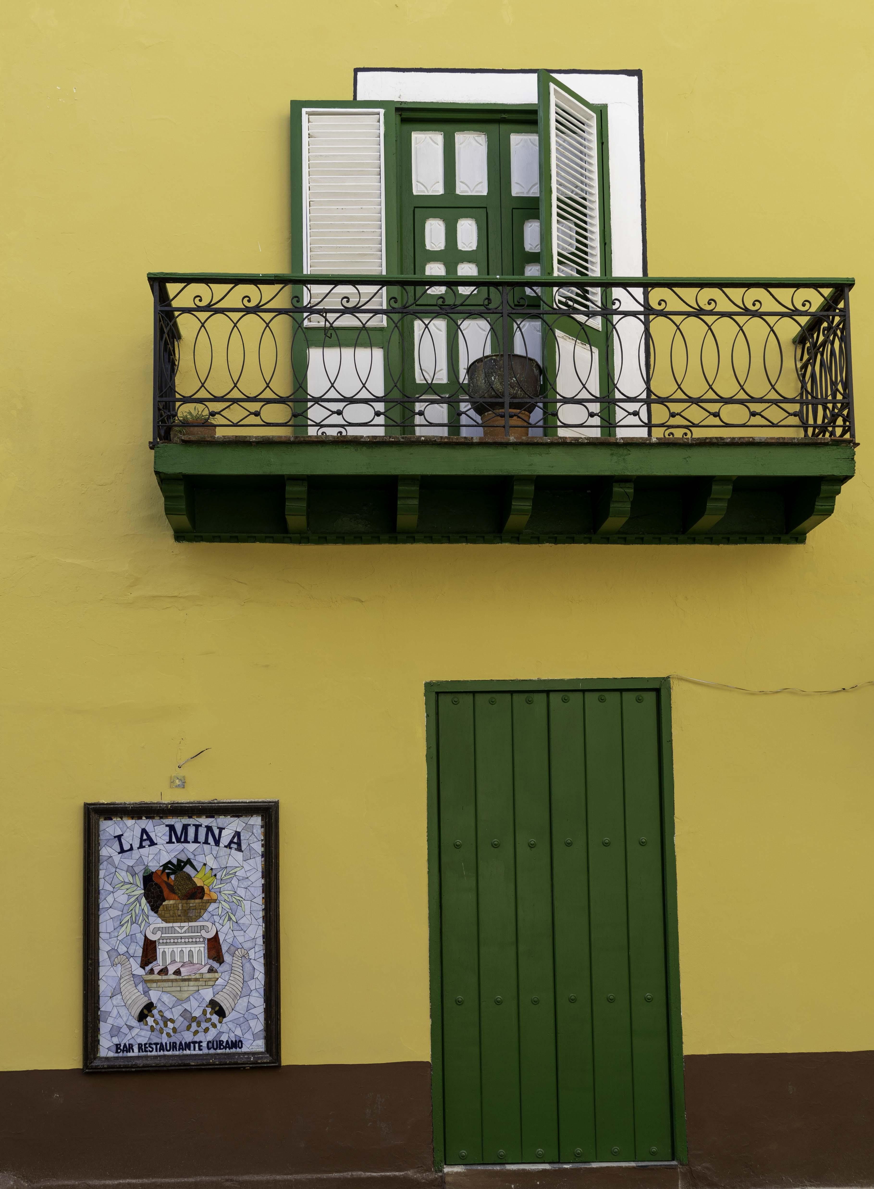sights of havana vieja, cuba 4 - derek chambers