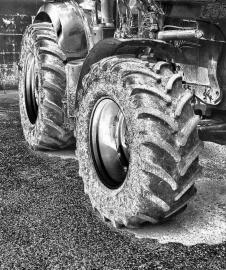 4 - TractorTire - CJJ