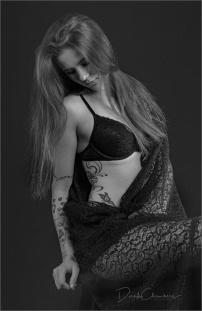 KE1-DCP3575 - Lady In Black - Derek Chambers