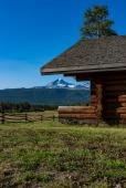 Mt Tsylos - Elkin Creek Guest Ranch, Nemaiah Valley - Nigel Hemingway