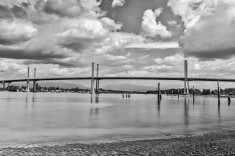Golden-Ears-Bridge-from-shores-of Barnston-Island-in-Surrey-CJJ
