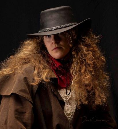 Detail: The Bounty Hunter - Derek Chambers