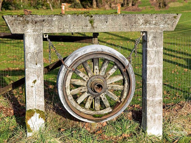 Ray Waters  Hangin Wagon Wheel
