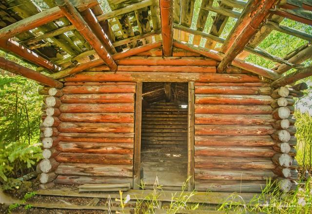 CJJ_Abandoned Cabin